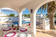 Villa en Empuriabrava - 0037-CAP RAS Casa al canal con piscina y amarre
