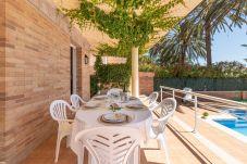 Villa en Empuriabrava - 0145-PANI Casa al canal con piscina y amarre