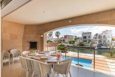 Villa en Empuriabrava - 0141-PANI Casa al canal con piscina y amarre