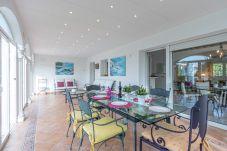 Villa en Empuriabrava - 0040-NORFEU Casa al canal con piscina y amarre