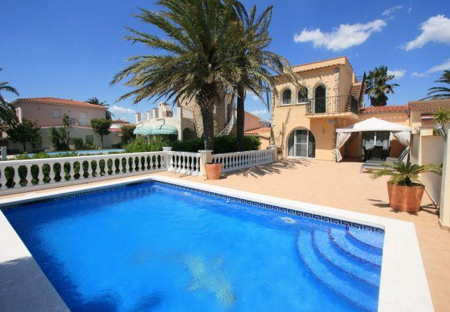 Villa en Empuriabrava - 0004-NOGUERA Casa al canal con amarre y piscina