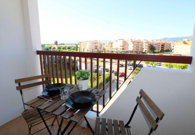 Apartamento en Empuriabrava - 0193-ALBATROS Apartamento cerca de la playa