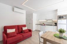 Apartamento en Empuriabrava - 0188-SANT MORI Apartamento con WIFI y gran terraza