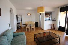 Apartamento en Empuriabrava - 0027-BAHIA Apartamento enfrente de la playa con parking