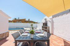 Vil.la en Empuriabrava - 0005-ALBERES Casa amb piscina