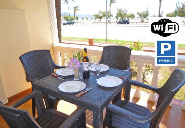 en Empuriabrava - 0018-BAHIA Apartament davant de la platja amb wifi