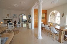 Vil.la en Empuriabrava - 0002-FLUVIA Casa al canal amb piscina i amarre