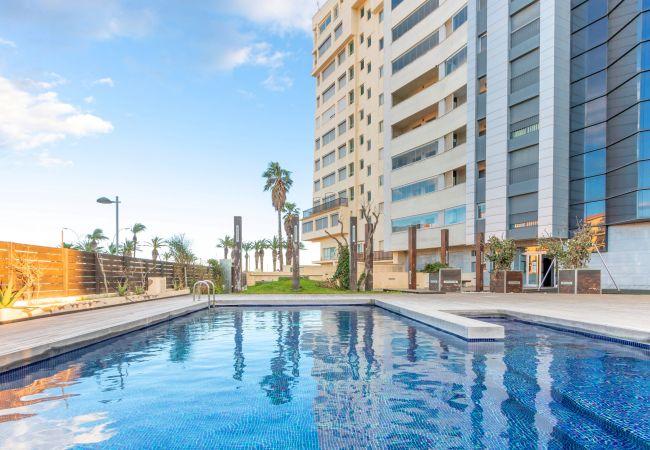 en Empuriabrava - 0003-CRISTALL MAR Apartament amb piscina comunitaria i vistes al mar