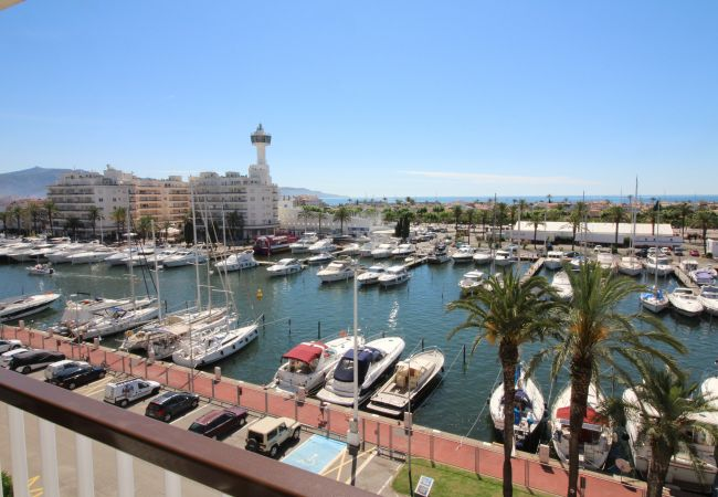 Apartment in Empuriabrava - 0175-PORT GREC Apartment with canal and sea view