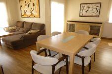 Вилла на Эмпуриабра / Empuriabrava - 0144-PUIGMAL Дом с бассейном и Wi-Fi