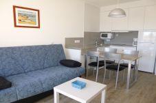 Апартаменты на Эмпуриабра / Empuriabrava - 0022-BAHIA квартира напротив пляжа с беспроводным доступом в Интернет